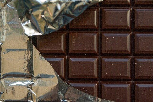 (Video ricetta) Crostata al cioccolato senza glutine e vegan con farina di cocco